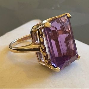 14K Yellow Gold Lavender Amethyst Cocktail Ring